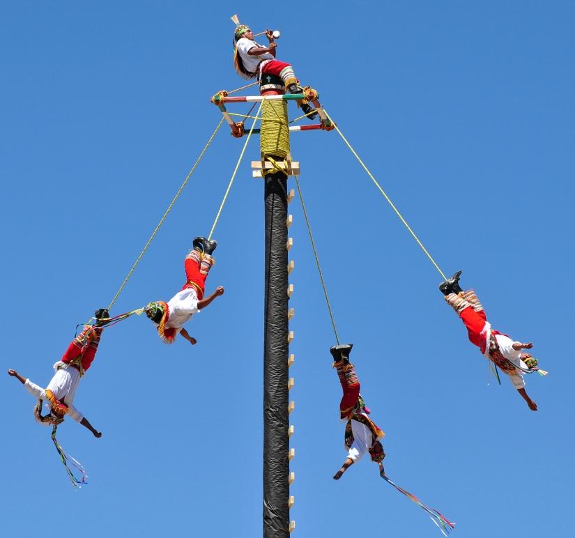 La danza dei voladores a Papantla (Messico)